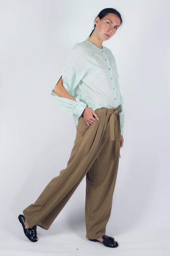 camicia manica lunga in cotone Lorena e pantalone con pinces Cezanne Dep 2 BIS
