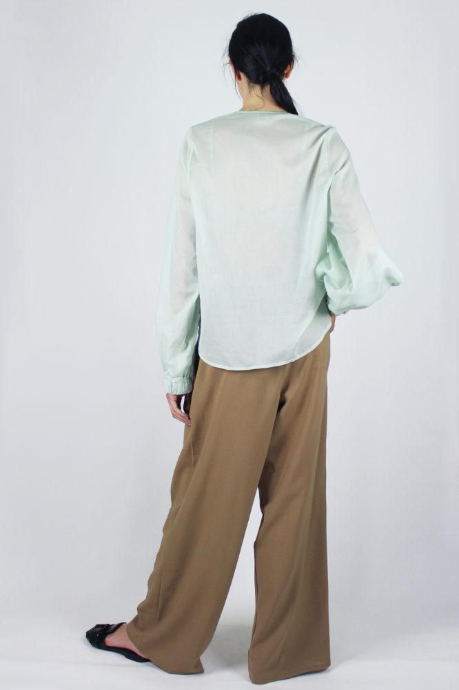 camicia manica lunga in cotone Lorena e pantalone con pinces Cezanne Dep 3 copia