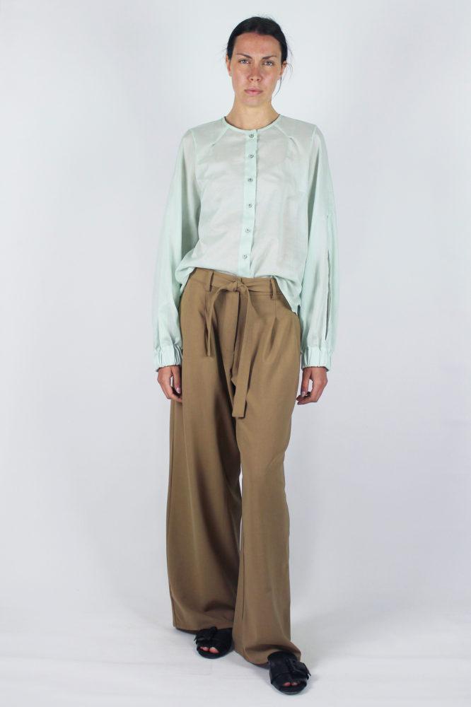 camicia manica lunga in cotone Lorena e pantalone con pinces Cezanne Dep bis 2