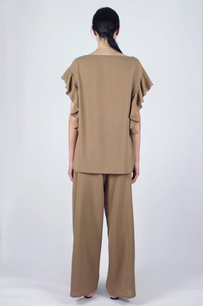 pantalone con pinces con cintura in vita cezanne e top con rouge sulla manica Violetta Dep 6 copia