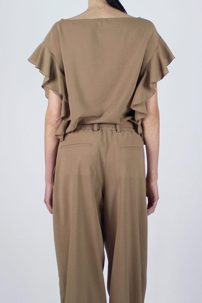 pantalone con pinces con cintura in vita cezanne e top con rouge sulla manica Violetta Dep 8 copia