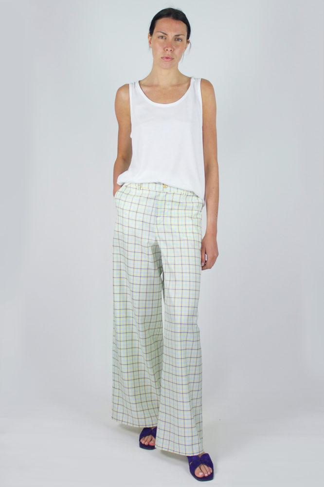 pantalone senza pinces ampio al fondo e canotta spalla larga scollo a giro dep 2 copia