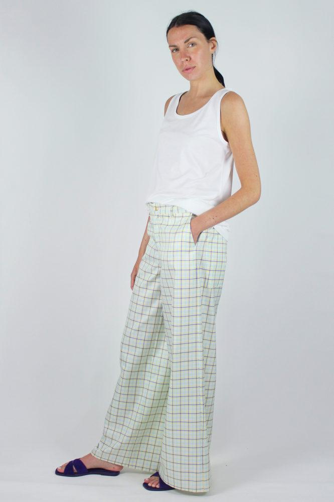 pantalone senza pinces ampio al fondo e canotta spalla larga scollo a giro dep 3 copia