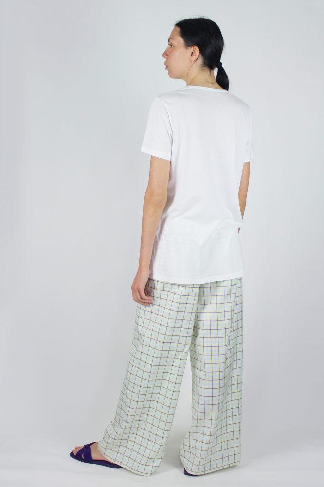 t-shirt base bianca a giro e pantalone palazzo 4 copia