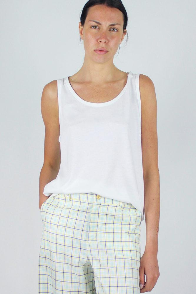 pantalone senza pinces ampio al fondo e canotta spalla larga scollo a giro dep 7